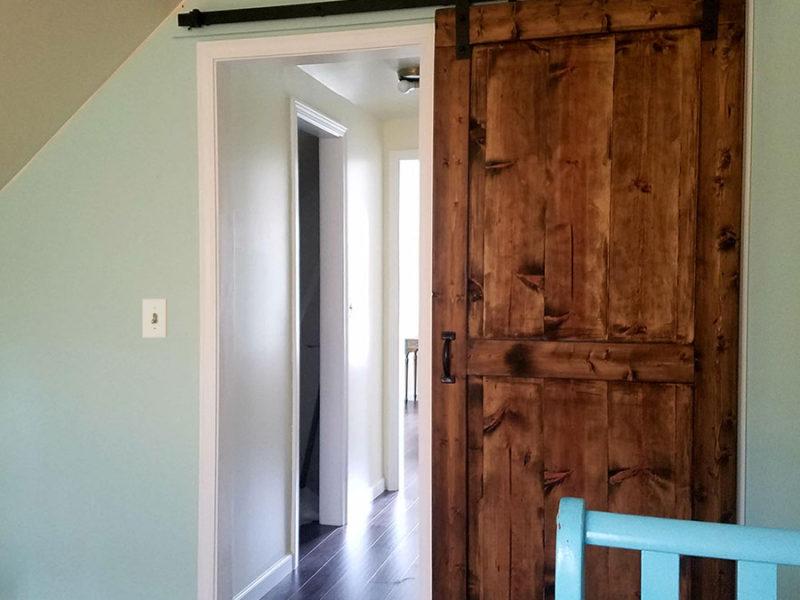 Grayling Cabin - Barnwood door
