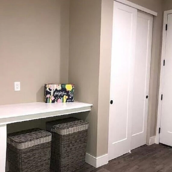 116 Red Mountain laundry room