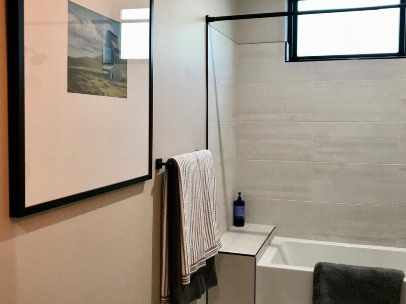 29-Trailwood-Court guest bath