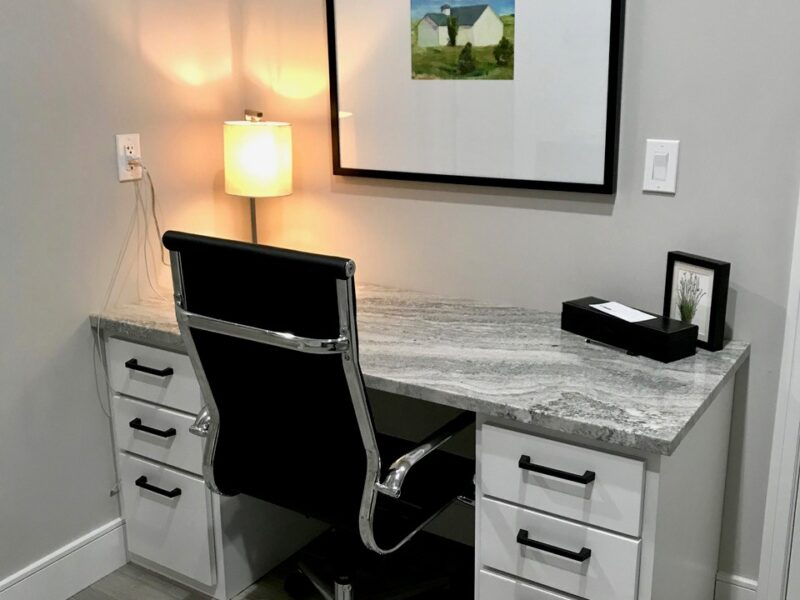 29-Trailwood-Court_laundry room desk